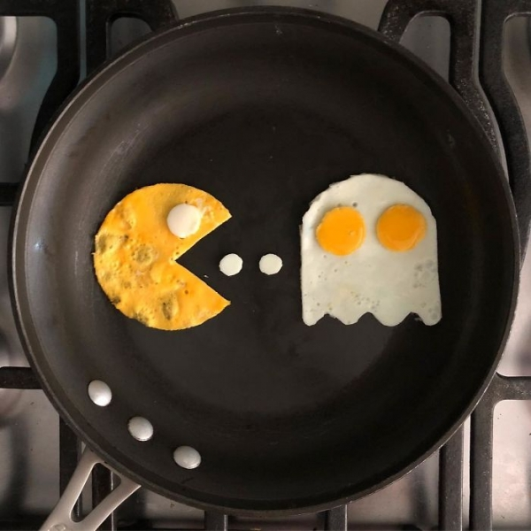 Eggs-Hibit-04.jpg