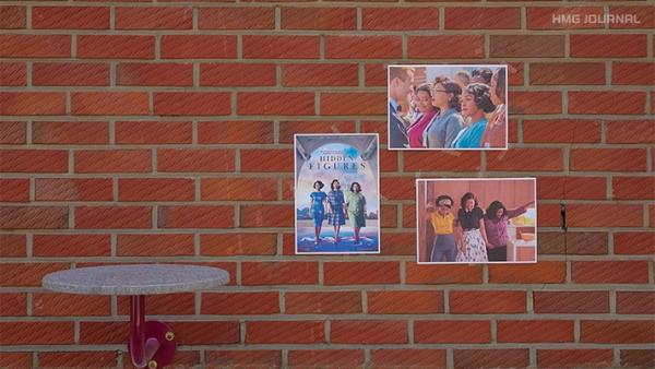 벽에 붙은 히든 피겨스 포스터